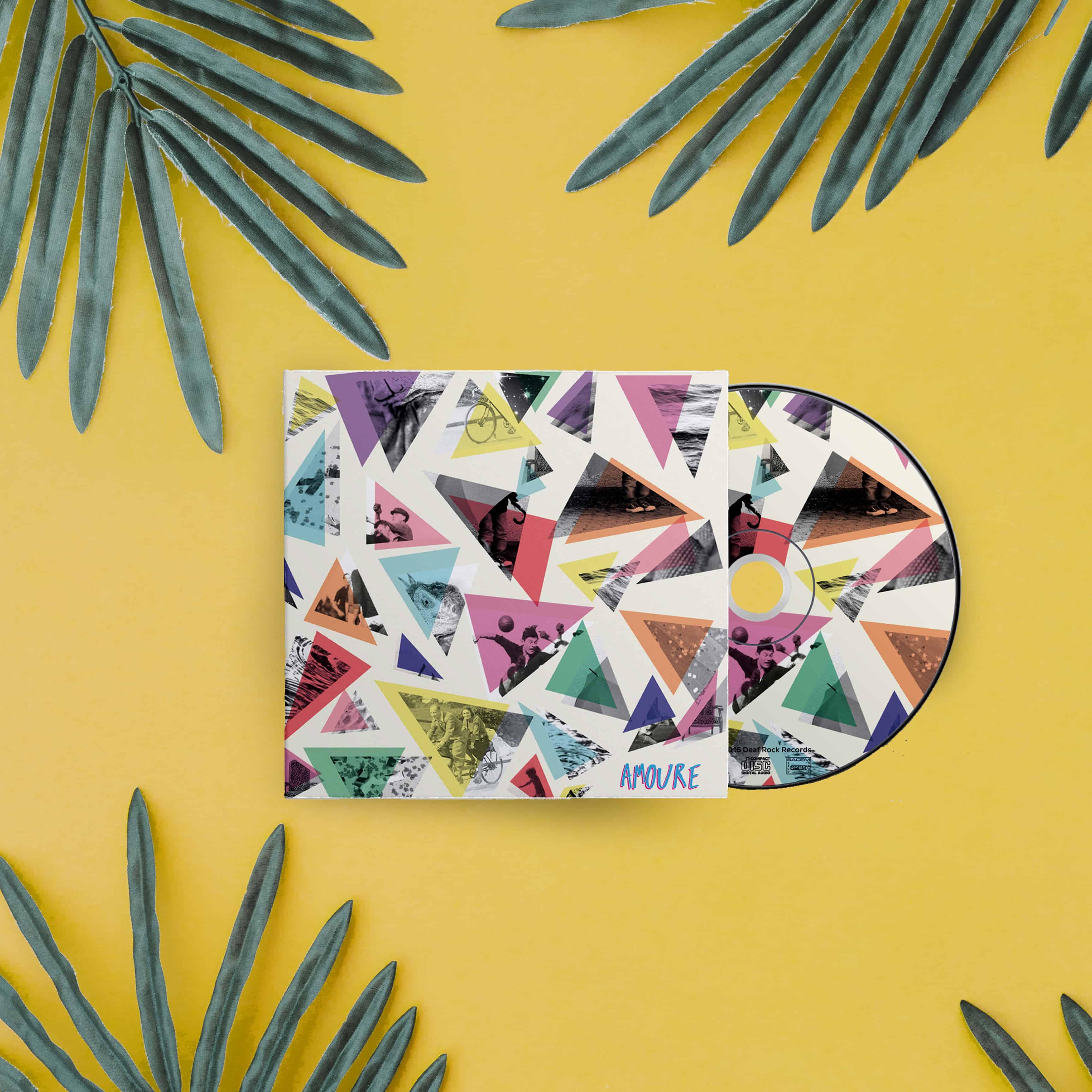 Pochette du CD d'Amoure formes triangulaires et photo noir et blanc