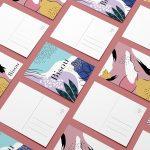 Mise en situation de plusieurs cartes postales imbriquées recto/verso