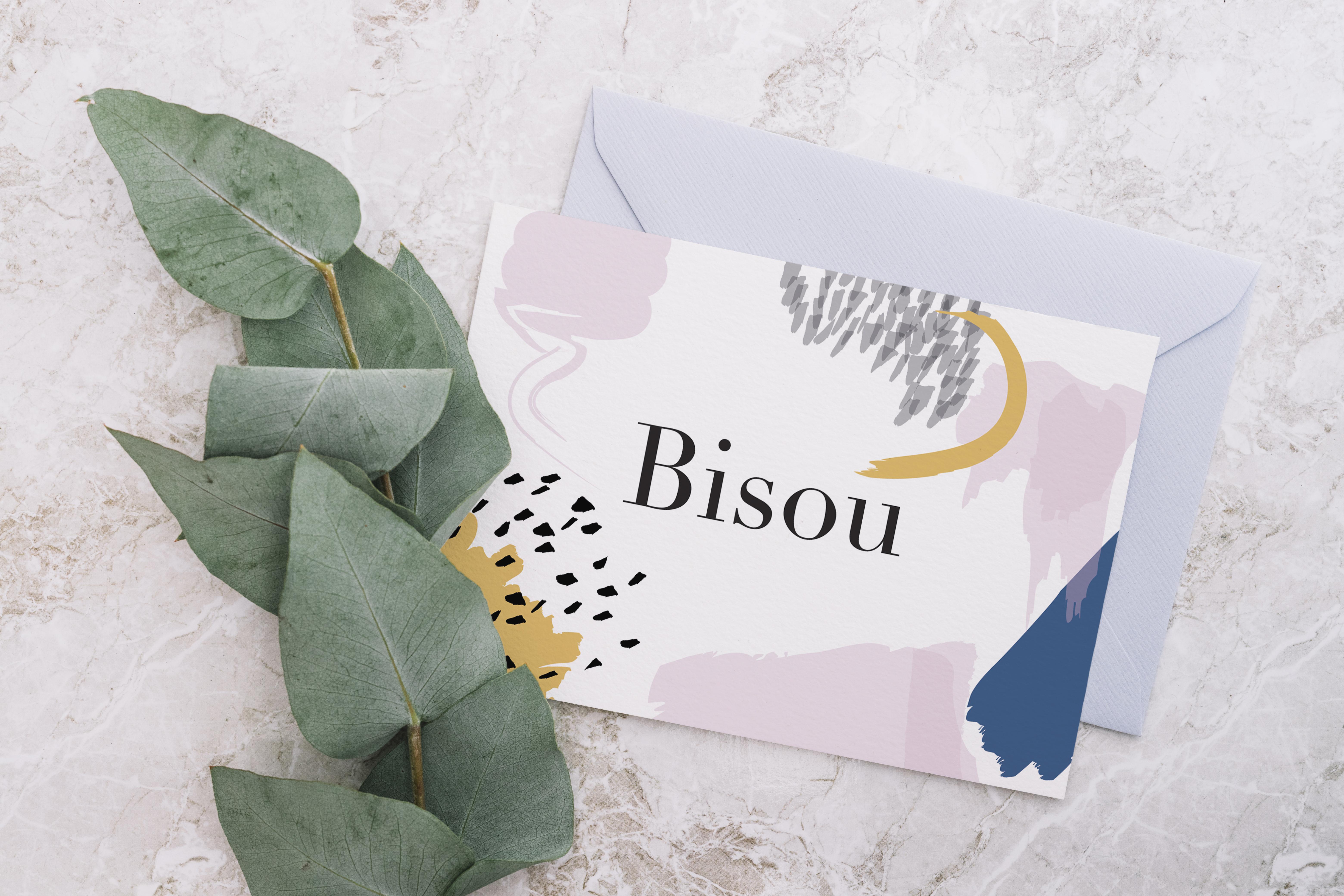 carte postale Bisou avec enveloppe et branche d'eucalyptus